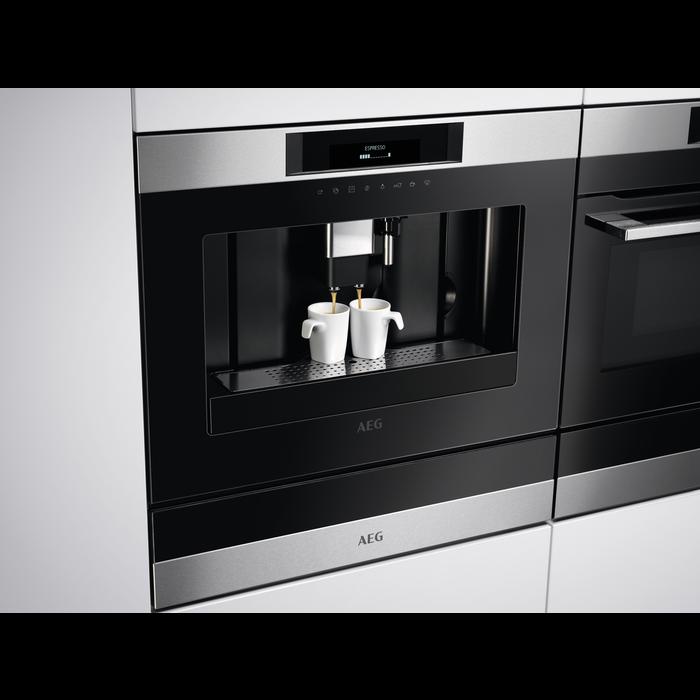 AEG - Inbyggd espressomaskin - KKK884500M