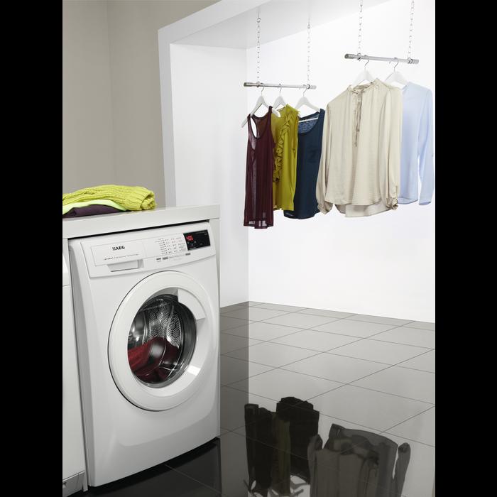 AEG - Front loader washing machine - L68480FL