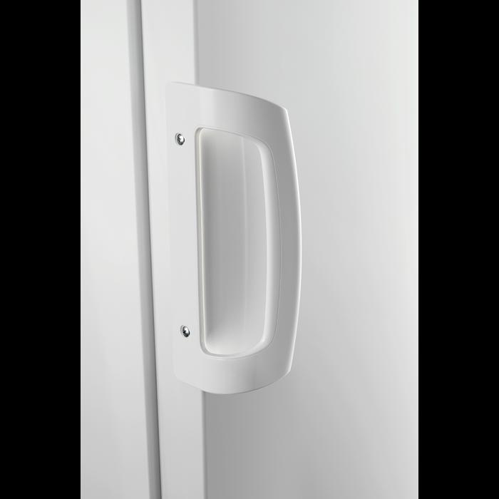 Zanussi - Freestanding refrigerator - ZRA33103WA