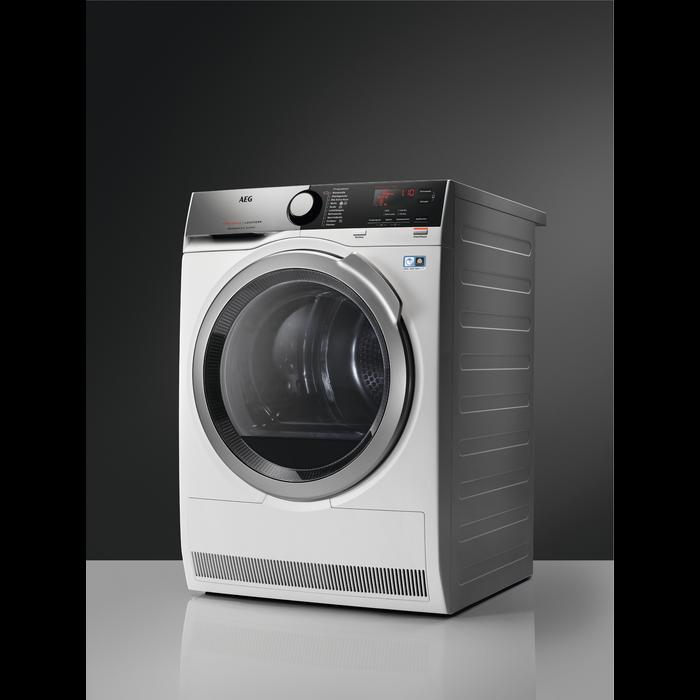 AEG - Heat pump dryer - T8DEE945R