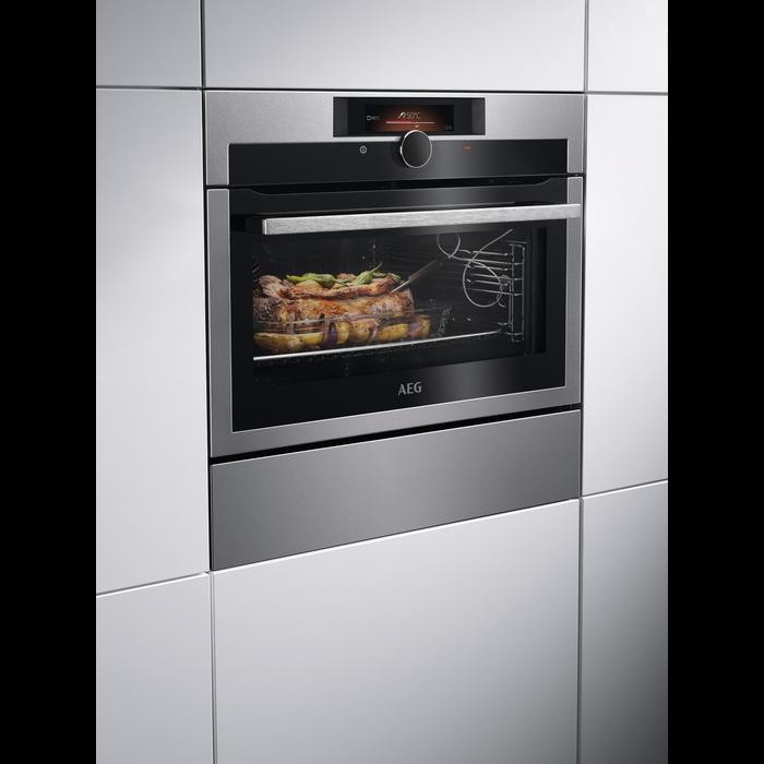 AEG - Compact oven - KPE842220M