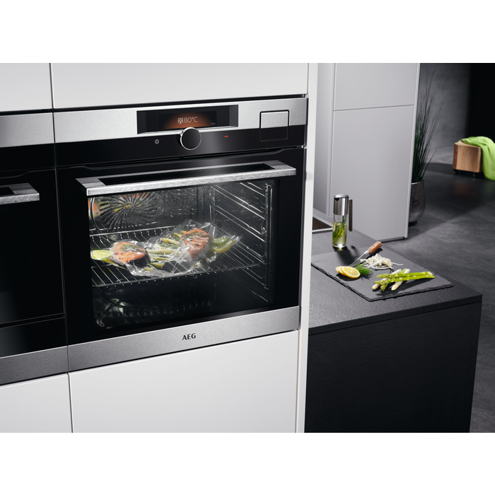 AEG - Steam oven - BSK892330M