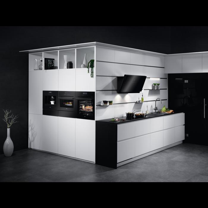 AEG - Integrated Microwaves - KME761000B