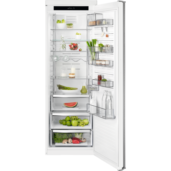 AEG - Jääkaappi - Vapaasti sijoitettava - RKE73624MW