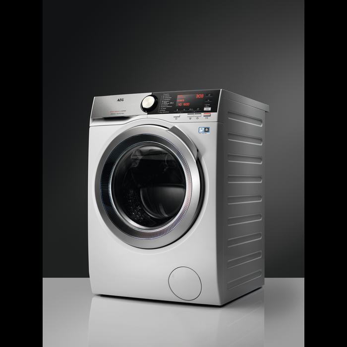 AEG - Freestanding washer dryer - L7WEC166R