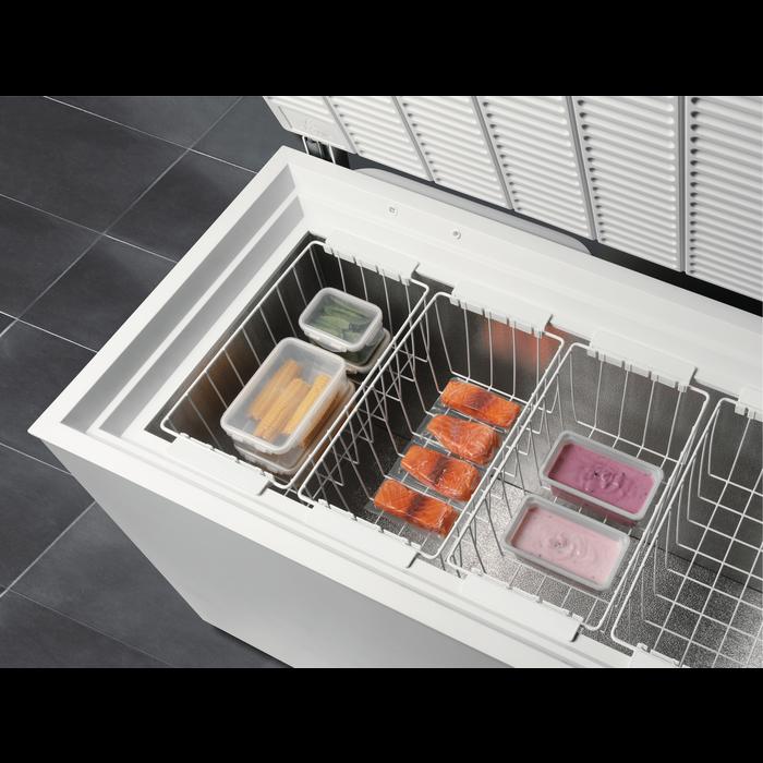Electrolux - Морозильный ларь - EC2200AOW2