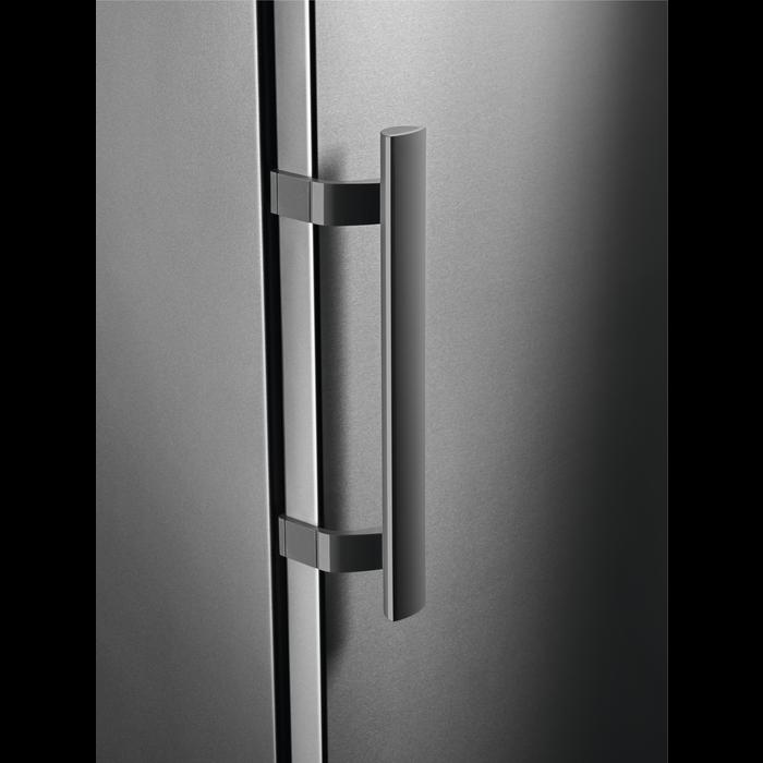 Electrolux - Szabadonálló hűtőszekrény - ERF3307AOX