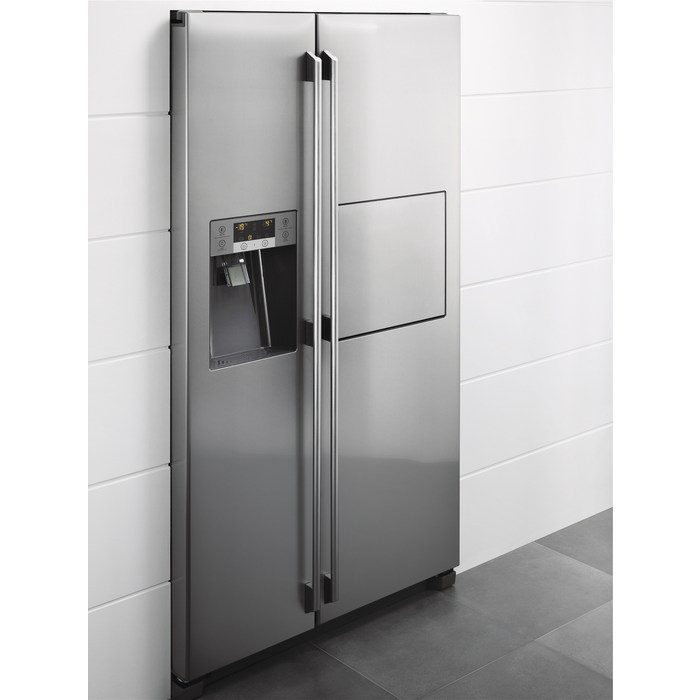 Electrolux - Side by side fridge-freezer - EAL6142BOX