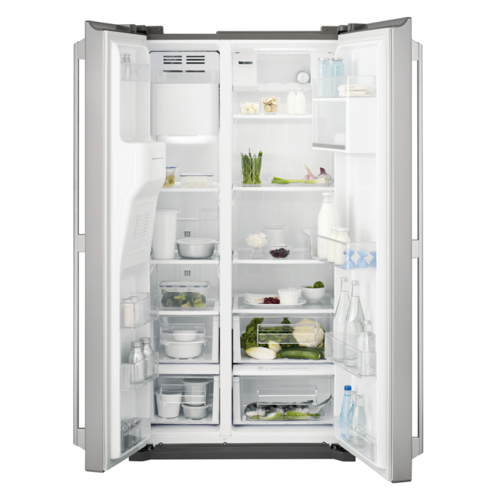 Side by side fridge-freezer