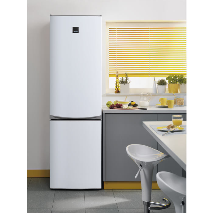 Zanussi - Freestanding fridge freezer - ZRB38212WA